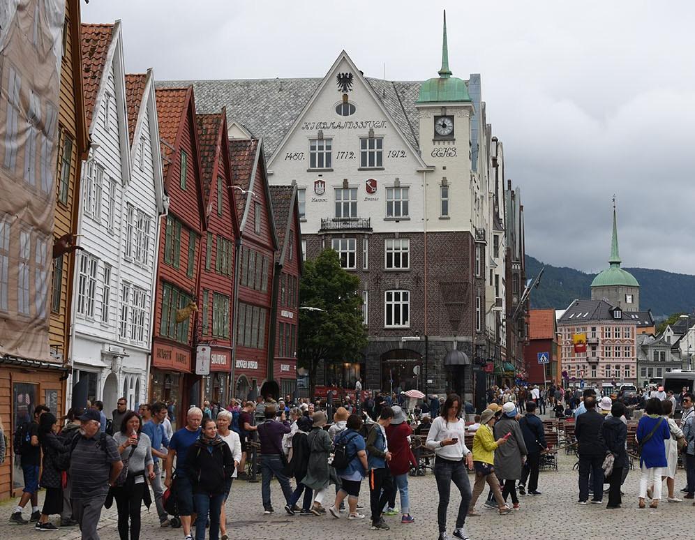 Bergen 2018- på vei til Baker Brun (hvit brygge)