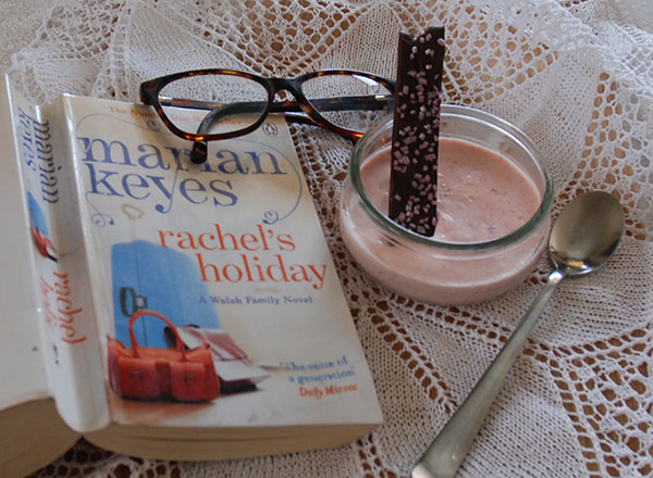 Keyes, Marian(1997), «Rachel's holiday». Penguin books og Jordbærmousse