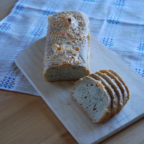 Krydderbrød fra Baker Brun Ingredienser 7 dl Vann ¼ pk Gjær 1 kg Hvetemel 2 ts Salt 1 ss Provencekrydder