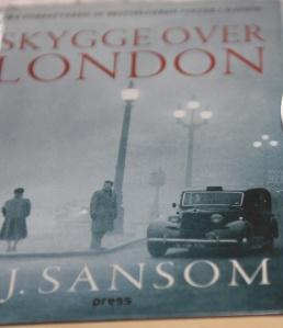 Sansom, C.J, (2013) «Skygge over London», Forlaget Press