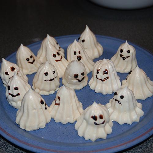 Halloween . spøkelser av marengs