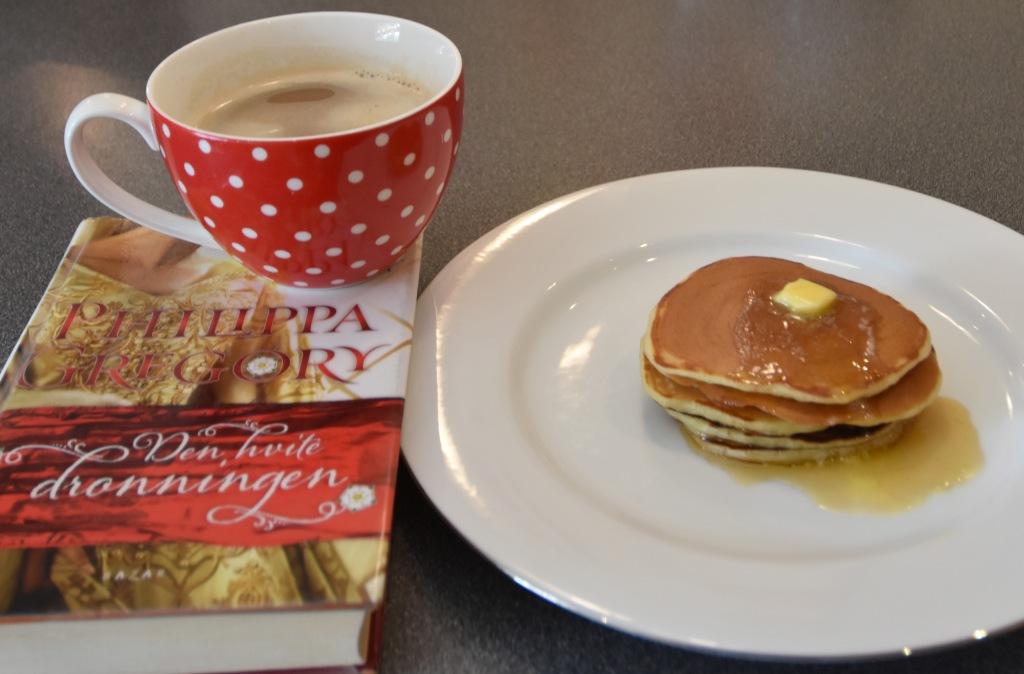 Gregory, Philippa (2011) «Den hvite dronningen», Bazar og amerikanske pannekaker 3 dl Hvetemel 2 ts Bakepulver ½ ts Salt 1 ss Sukker