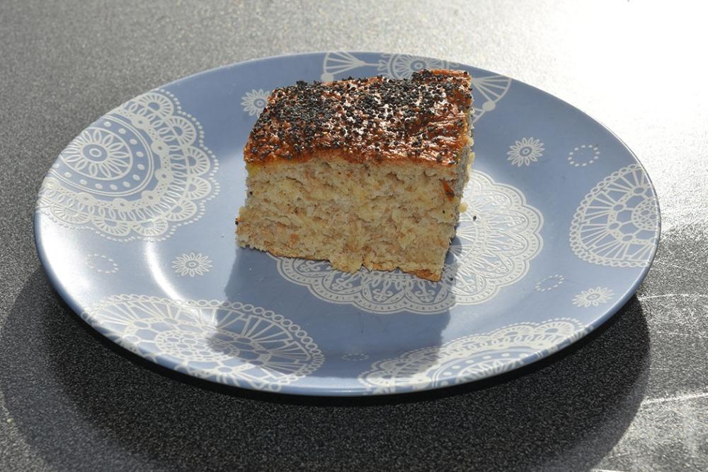 Lettvinte Frokostrundstykker Ingredienser: ½ pk Gjær 3 dl Vann (kaldt) 6 dl Hvetemel 1 dl Sammalthvete (grov) 1 ½ ss Olje 1 ts Salt Egg, valmuefrø