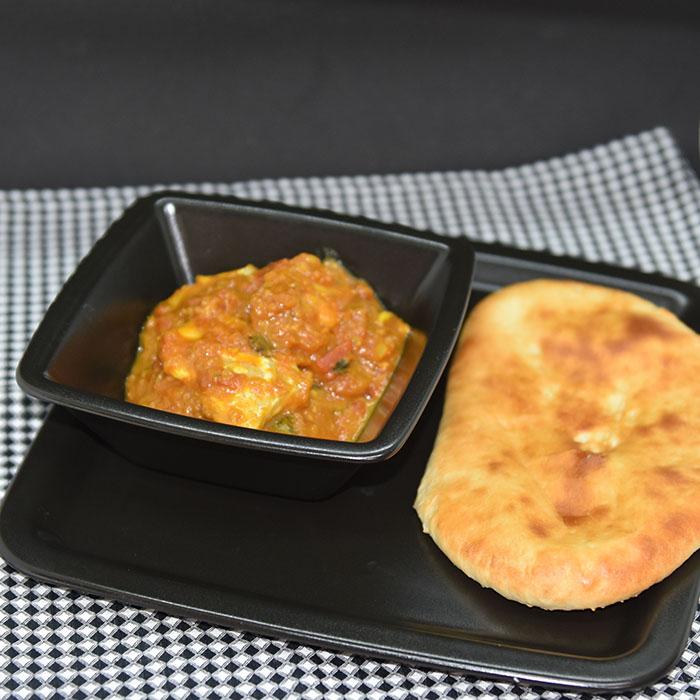 Fisk Madras Ingredienser: 4 ss Olje 1 ss Sennepsfrø 1 Løk 3 fedd Hvitløk 30 Karri blader /Curry leaves 1 ss Karri (eller en terning) 2 ts Kajennepepper/chilipulver 2 ts Koriander 2 ts Gurkemeie 1 bx Tomater (ca. 400 g) 1 ss 1 ss eddik (7 %) 1 ss Brunt sukker 1 ts Salt 700 g Fisk (hvit) /scampi