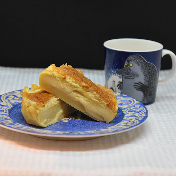 Vaniljekake på magisk vis Ingredienser: 4 Egg (delte) 2 dl Sukker 125 g Smør (smeltet) 2 ts Vaniljesukker 2 dl Hvetemel 5 dl Melk (lunken) https://heidisboble.no/ @heidisboble