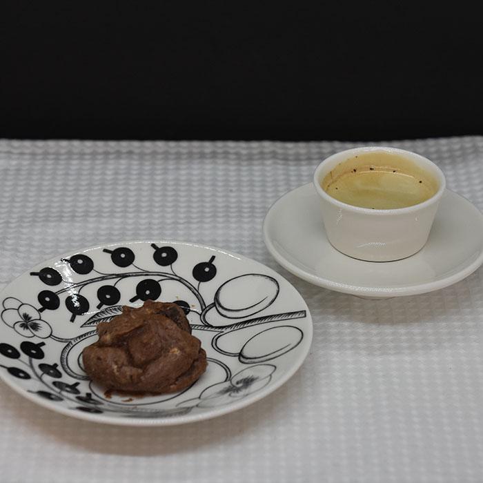 Kakaotopper - Marengskjeks med usøtet kakao (Diabetes) Ingredienser: 2 Eggehviter 2-3 ss Sukrin 1 ss Kakaopulver (usøtet) https://heidisboble.no/ @heidisboble