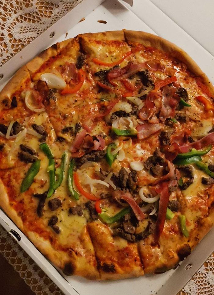 Pizza fra Piccoli Fratelli Piccolifratelli, Jakobslivegen 59, 7058 Jakobsli https://heidisboble.no/ @heidisboble