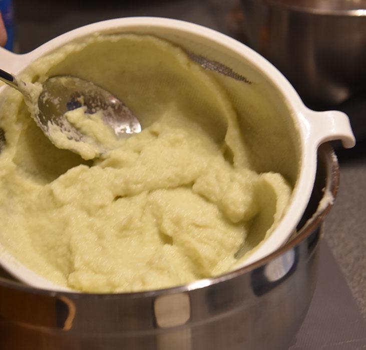 Fennikel/sellerirot puré: Ingredienser: 2 Fennikel 150 g Sellerirot 2 ss Smør Salt, hvit pepper https://heidisboble.no/ @heidisboble