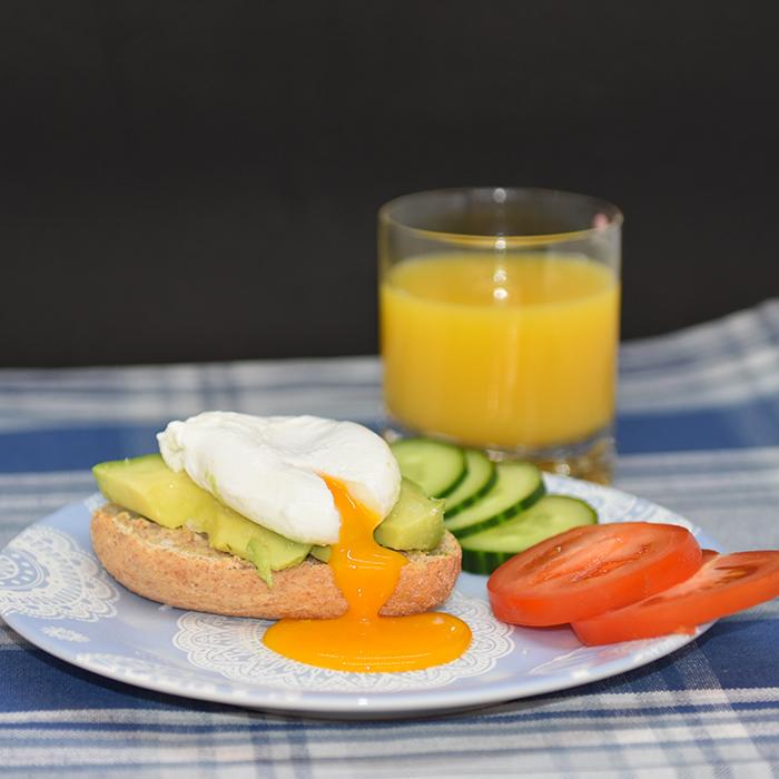 Posjert egg med avokado Ingredienser Egg Eddik (eplecider) Avokado Godt brød https://heidisboble.no/ @heidisboble