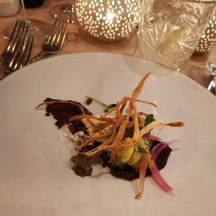 Marinert hval Restaurant Troll Fosenkaia 4A, 7010 Trondheim, Norge https://heidisboble.no/ @heidisboble